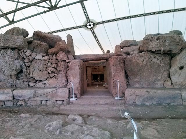 Um dos templos megalíticos.